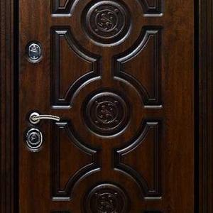 Дверь из массива DR343